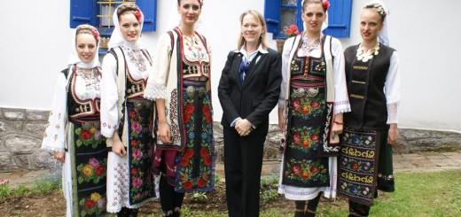 Narodne nošnje čuvaju modnu tradiciju Srbije foto: profimedia
